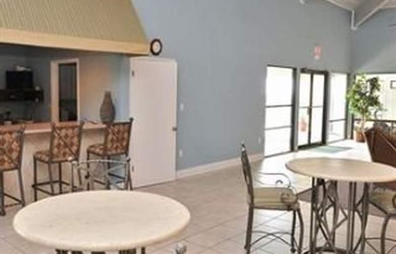 ResortQuest at The Beach House Condominiums - Bar - 2