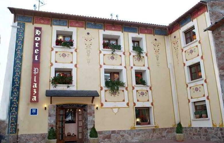 Plaza - Hotel - 0