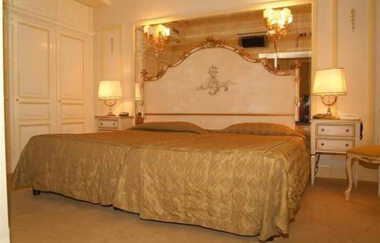 Champagne Garden - Room - 5