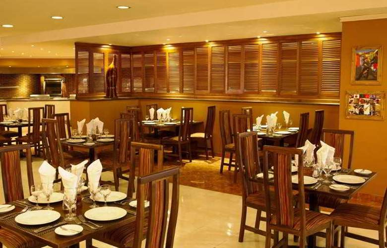 Sandos Playacar Beach Experience Resort - Restaurant - 19