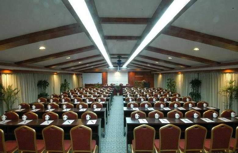 Gui Fu - Conference - 6