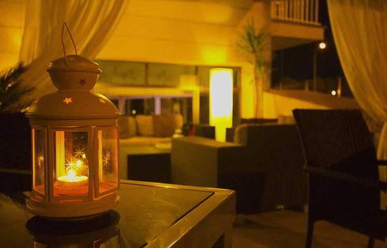 Sant Jordi Hotel - Terrace - 22