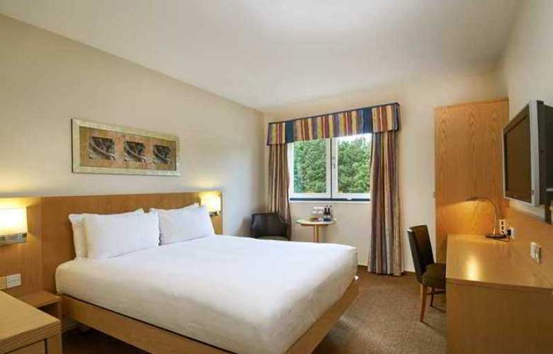 Novotel London Stansted Airport - Hotel - 9