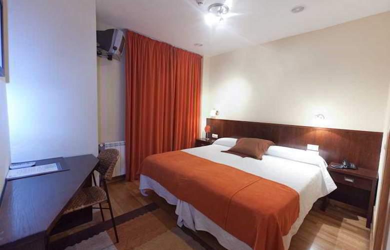 Alda Algalia - Room - 8