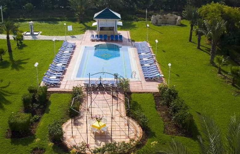 Medina Belisaire & Thalasso Hotel - Pool - 2