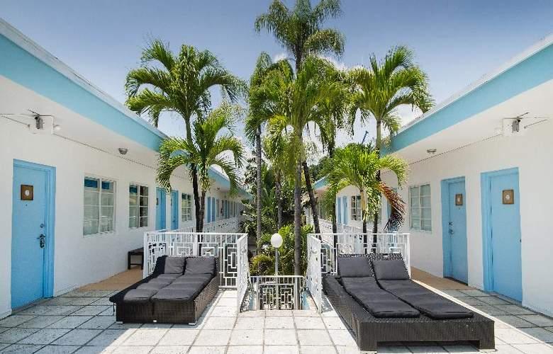 Aqua Hotel - Terrace - 14