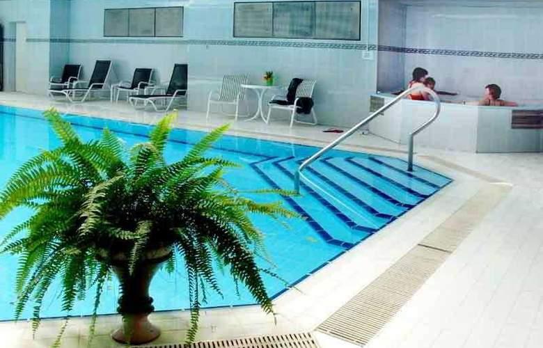 Grand Hotel Lviv - Pool - 4