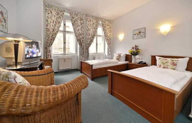 Old Town Hotel Greifswalder Strasse - Room - 7