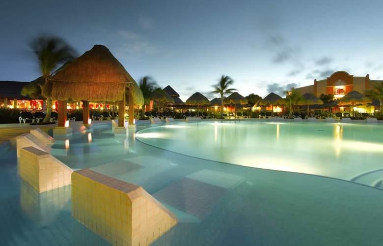 Grand Palladium Colonial Resort & Spa - Pool - 25