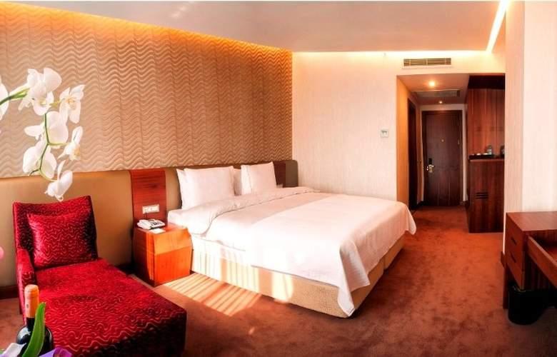 Ramada Hotel & Suites Atakoy - Room - 8
