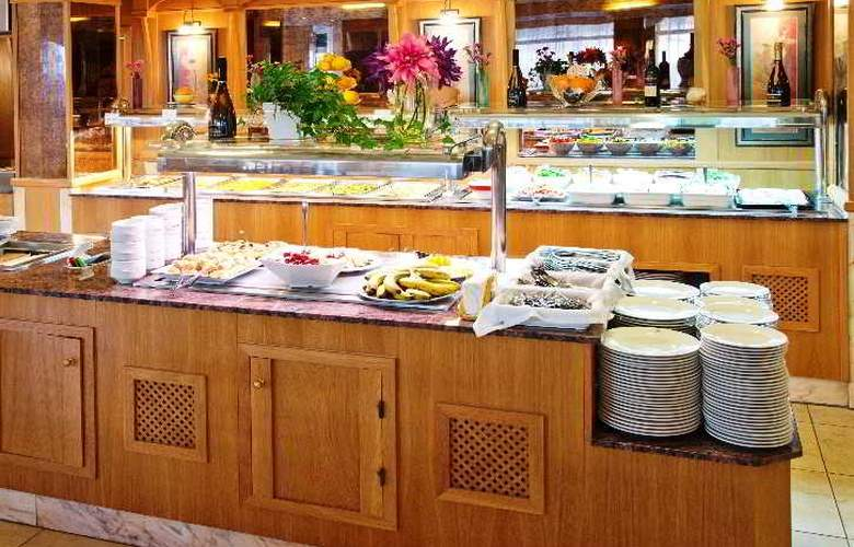 Amoros Hotel - Restaurant - 21
