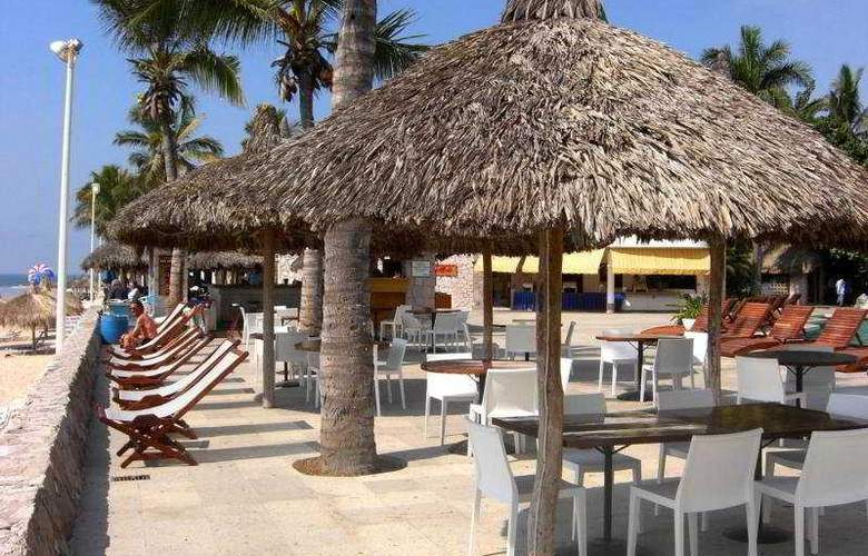 Ramada Resort Mazatlan (antes los Sabalos) - Terrace - 10