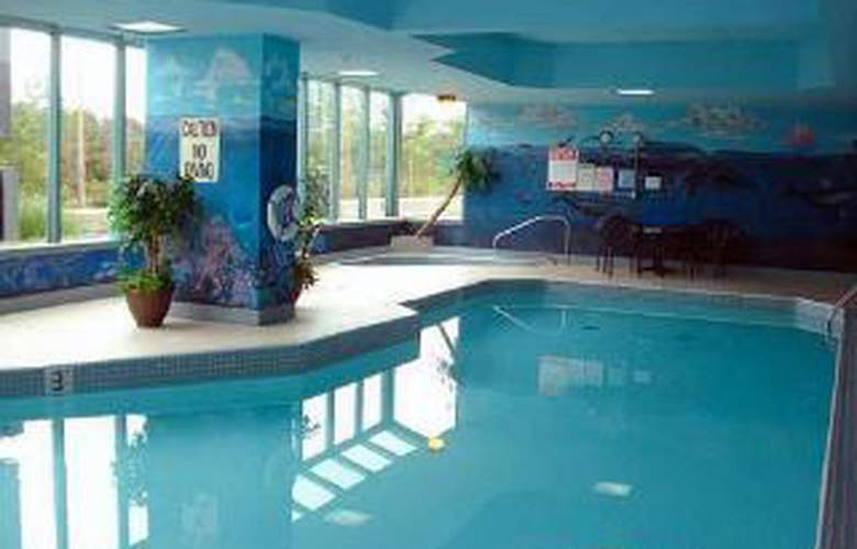 Quality Hotel Fireside - Pool - 4