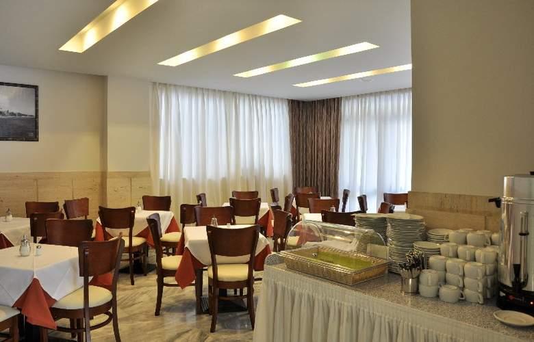 Dimitris Paritsa - Restaurant - 4