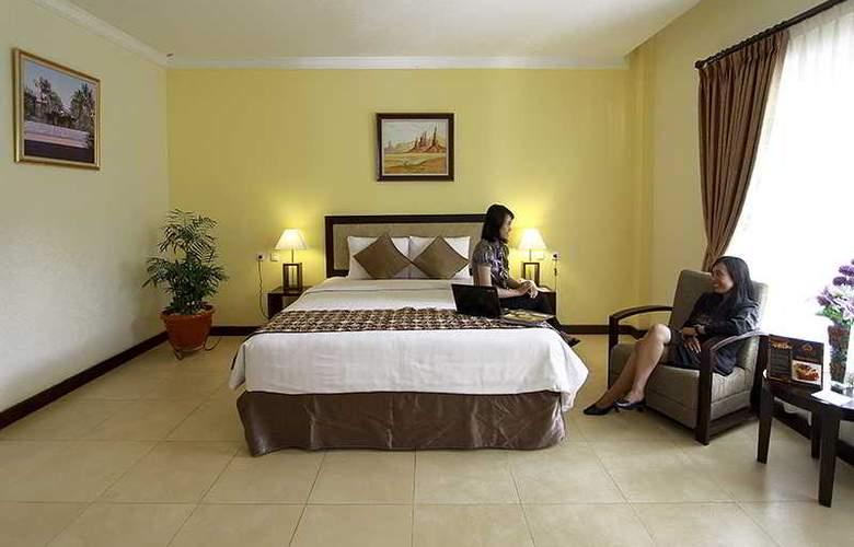 Gowongan Inn Yogyakarta - Room - 7