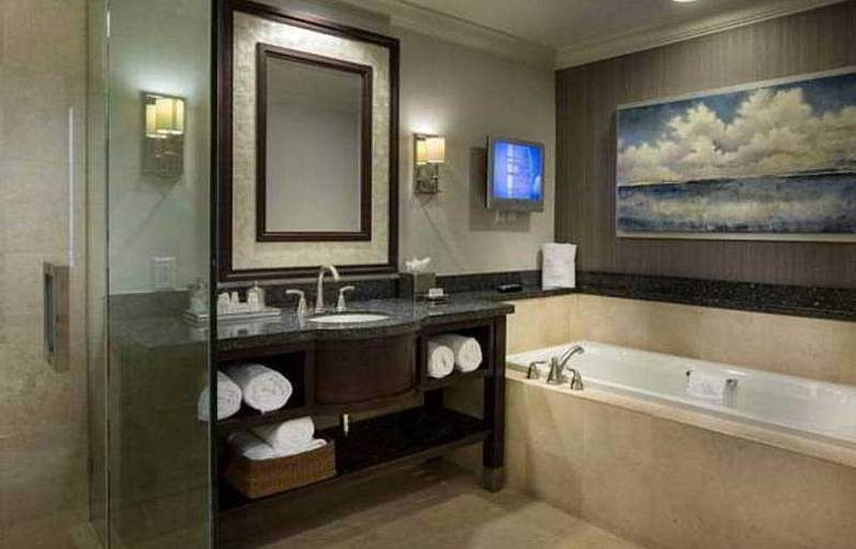 Courtyard By Marriott Fort Lauderdale Beach - Room - 17