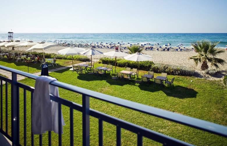 Iperion Beach - Terrace - 3