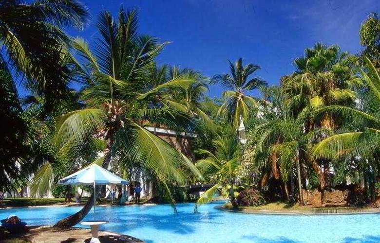 Sarova Whitesands Beach - Pool - 5