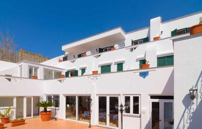Villa Fumerie - Terrace - 3