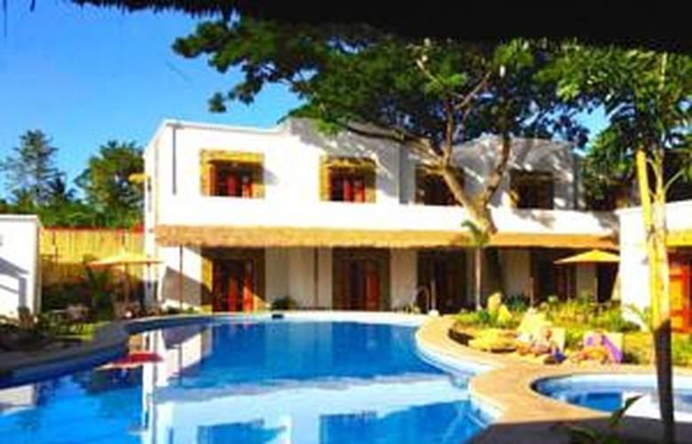 Acacia Tree Garden - Pool - 2