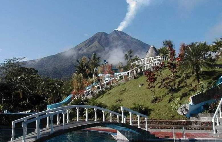 Los Lagos Spa & Resort - Pool - 6