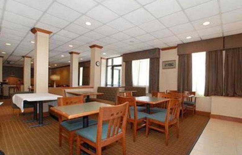 Quality Inn and Suites - Restaurant - 11