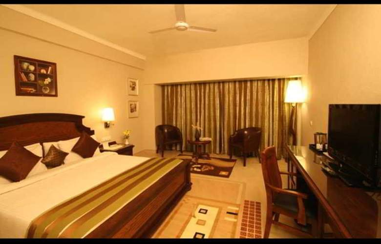 The Glitz Goa - Room - 9
