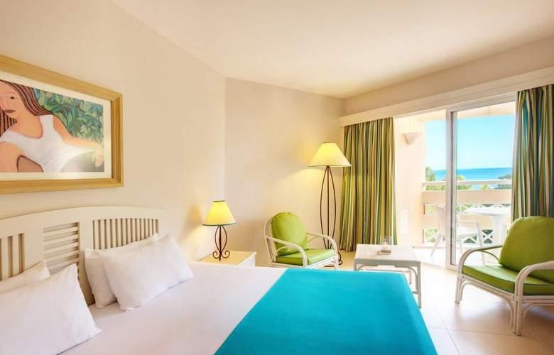 Merville Beach Grand Baie - Room - 9