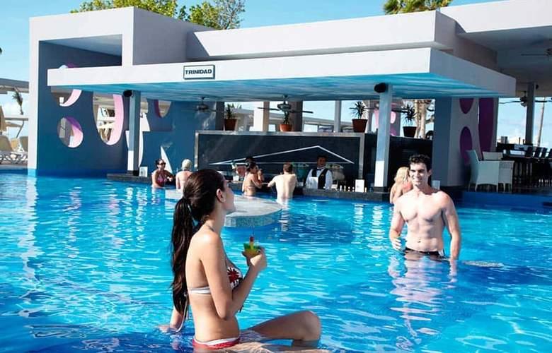 Riu Palace Península - Bar - 14
