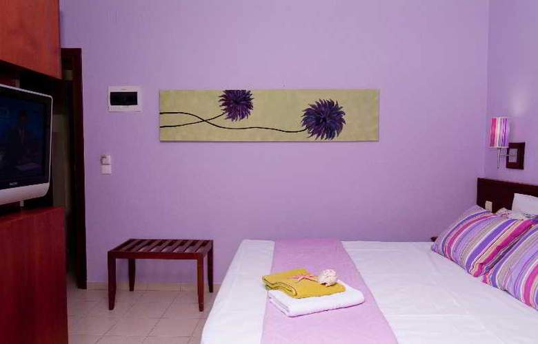 Philoxenia Hotel and Apartments - Room - 12