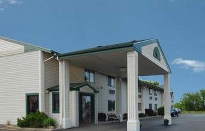 Econo Lodge Milwaukee Airport - Hotel - 0