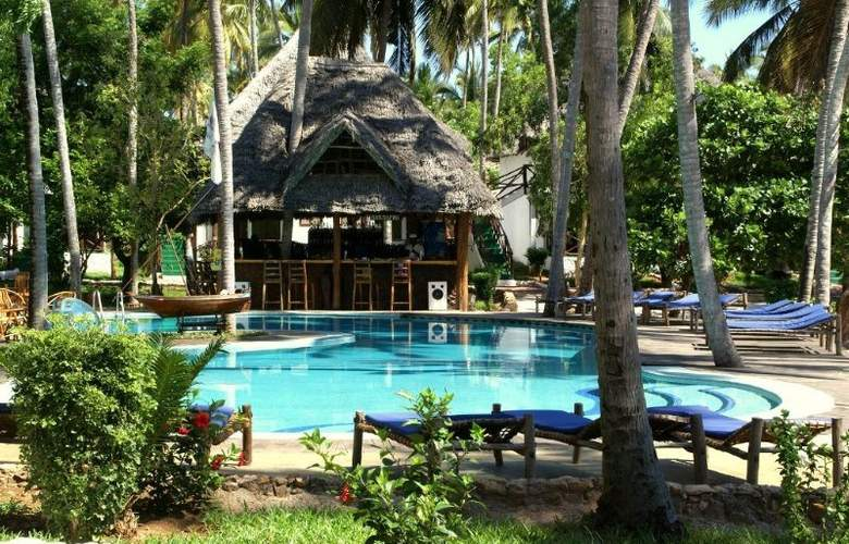 Paradise Beach Resort - Pool - 9
