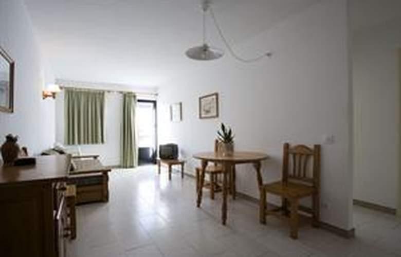 Loar Ferreries Apartamentos - Room - 2