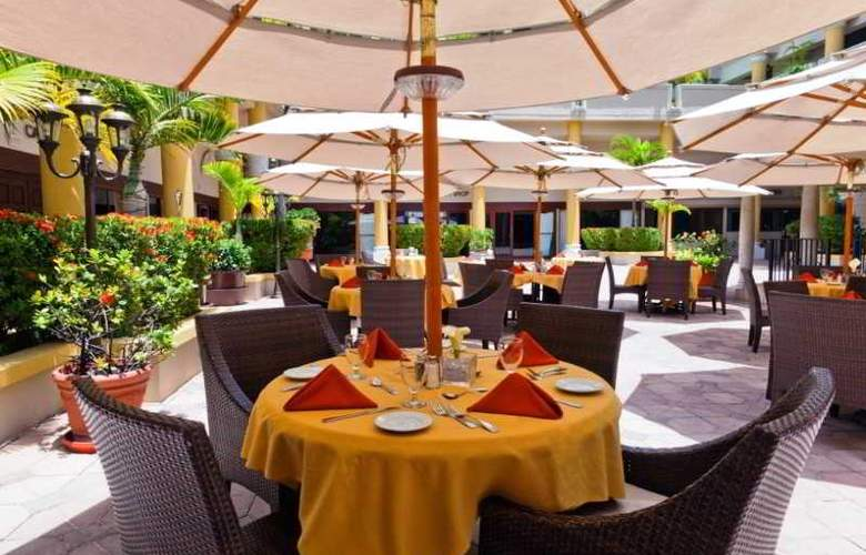 Windward Passage - Restaurant - 10