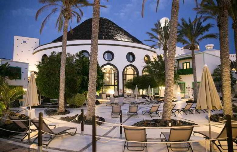 Hotel THe Volcán Lanzarote - Hotel - 2