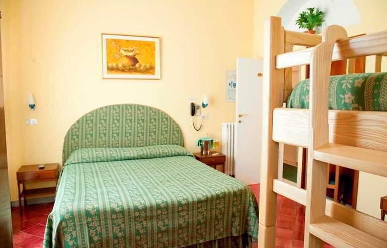 Hotel Carmencita - Room - 10