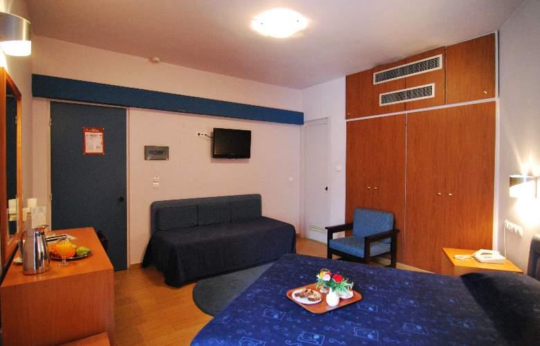 Iniohos Hotel - Room - 4