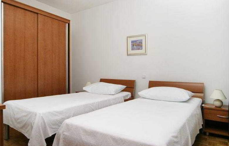 Villa Pucisca - Room - 5