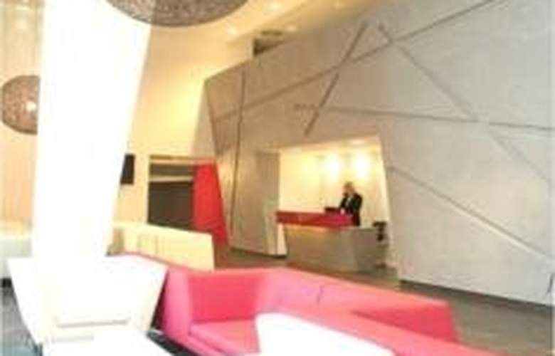Crowne Plaza Manchester City Centre - General - 0