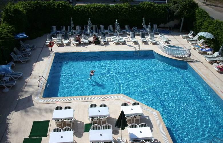 Seray Center Hotel - Pool - 4