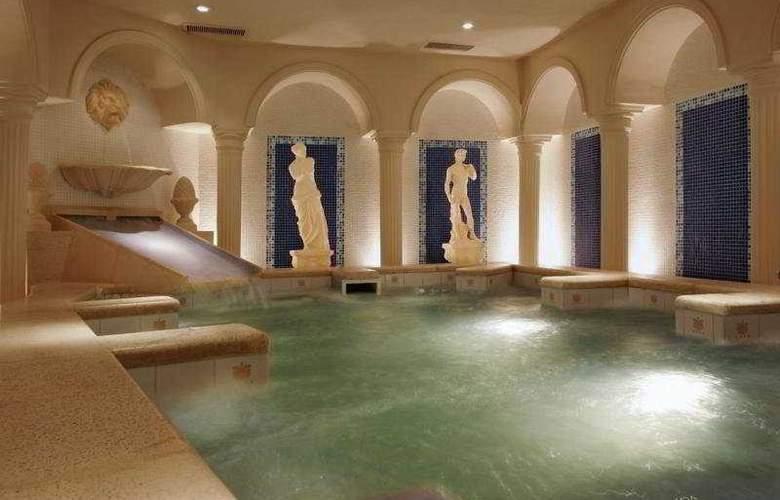 Castelar Hotel & Spa - Pool - 8