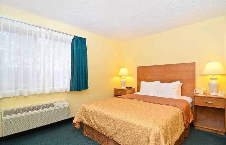 Best Western Ambassador Inn & Suites - Hotel - 32