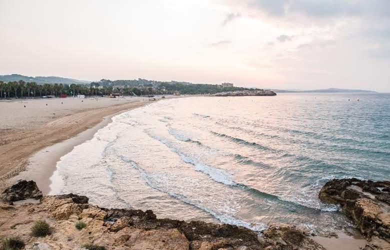 Nuria - Beach - 14