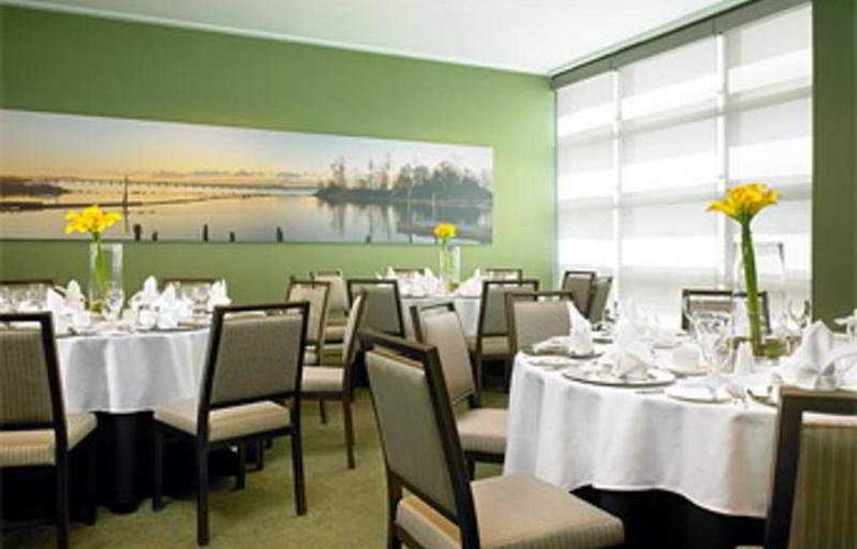 The Westin Wall Centre Vancouver Airport - Restaurant - 6