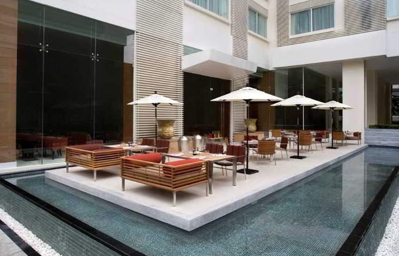 Courtyard by Marriott Bangkok - Restaurant - 8