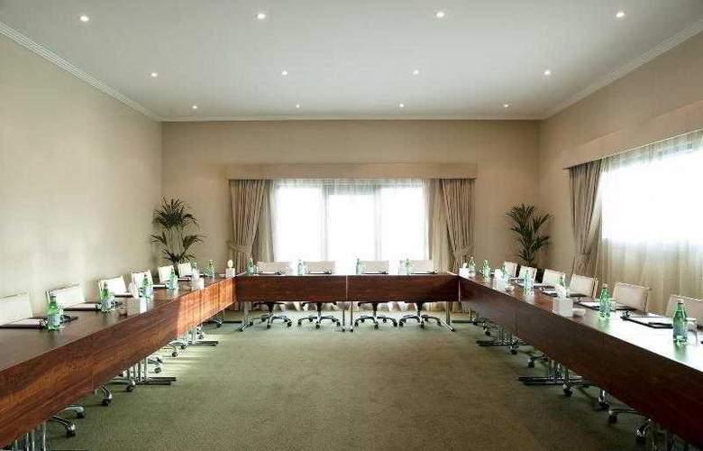 Le Meridien Al Aqah Beach Resort - Hotel - 19