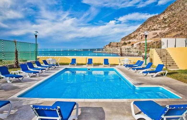 City Express La Paz - Pool - 13