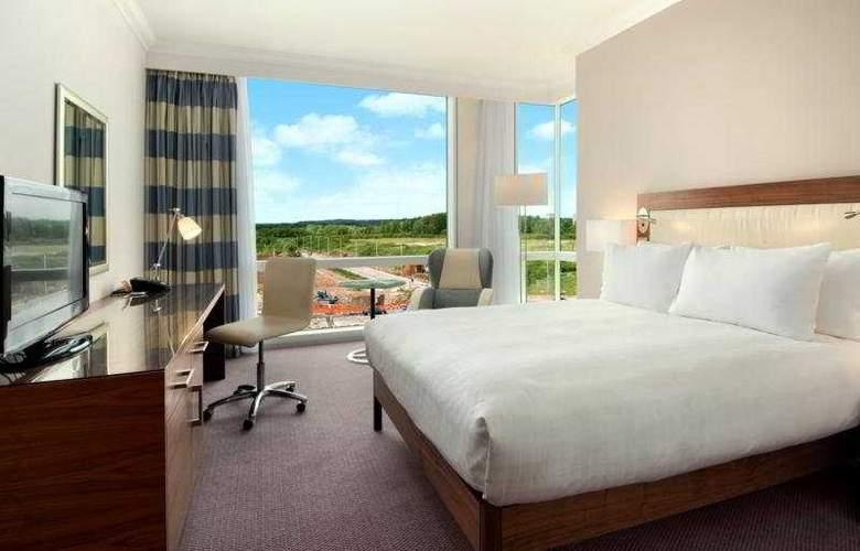 Hilton Reading - Room - 11