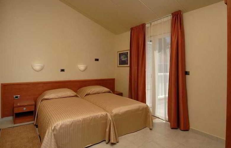 Amarin Resort Apartments - Room - 2