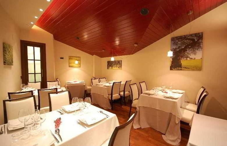 Los Usias Hotel - Restaurant - 6